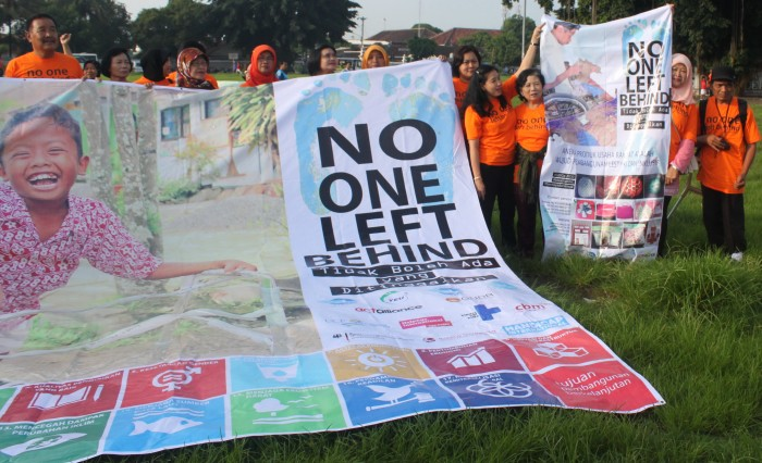Recent Yakkum activities on national CBO meeting and rally with focus on No one Left Behind, and National Exibition during International DRR day with fokus on SDGs. Photo: Yakkum